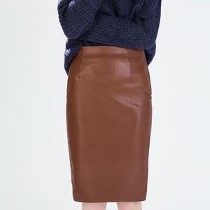 Zara Vegan Leather Pencil Skirt w/ Back Slit, M